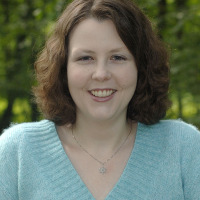 Author Interview & Giveaway with Jennifer Estep
