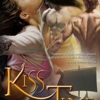 Review: Kiss Across Time by Tracy Cooper-Posey