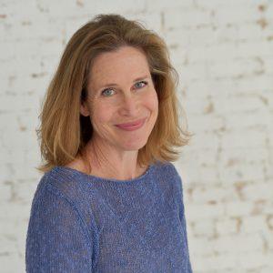 author photo of Karen Grey (Karen White narrator)